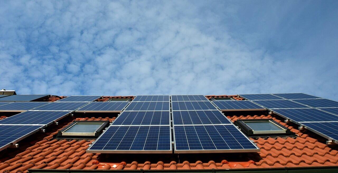 solarni-paneli-na-pokriv